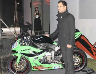 ms-dhoni-cars-bikes-2